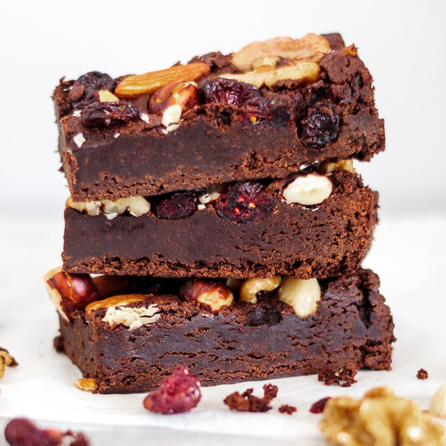 Vegan Fruit & Noten brownie
